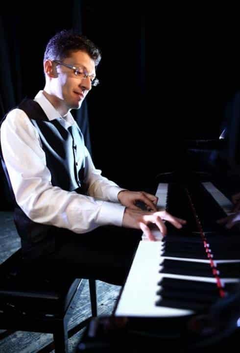 Correct piano position